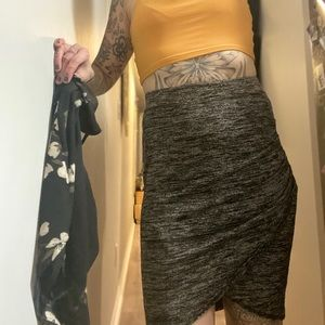 Wilfred Free (TWO OPTIONS) Peppered Gray Skirt Sml